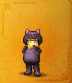 黒ネコのきぐるみ.jpg
