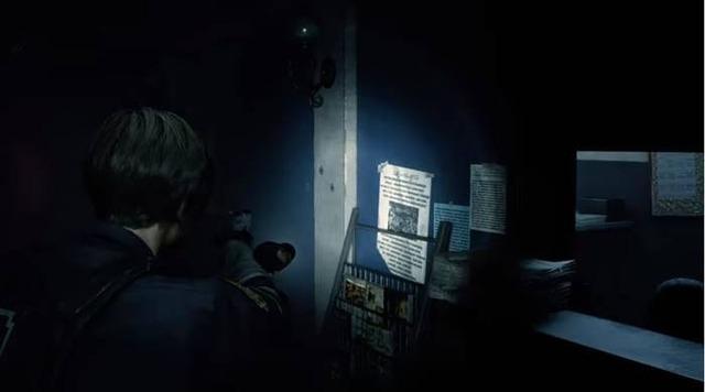 警察署を探索するレオン
